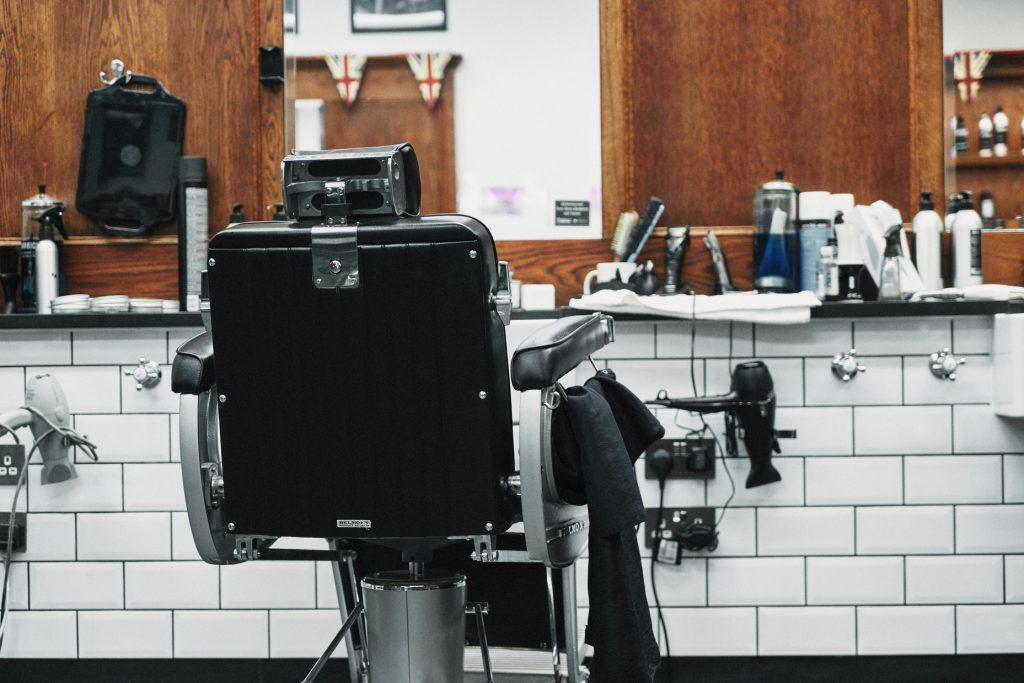 nearby barbers open now near Harlem